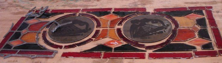 ©Le Temps du Vitrail, restauration de vitraux pour un pub irlandais